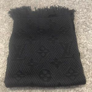 Louis Vuitton black wool scarf